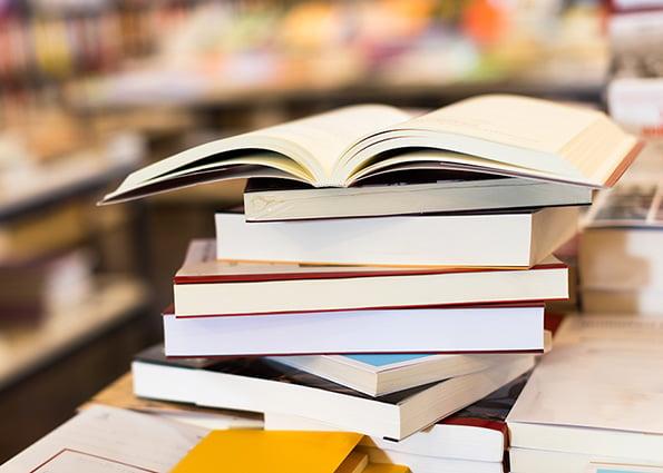 bookstore-bookstack_r